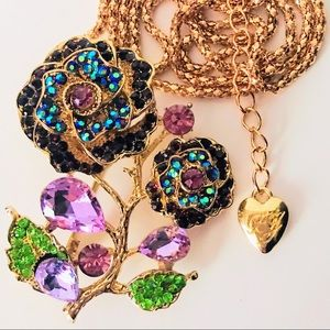 NEW! CRYSTAL FLORAL SWEATER NECKLACE IN GOLD